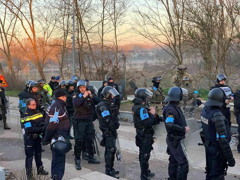 Οι δυνάμεις της Frontex στον Έβρο (ΦΩΤΟ)