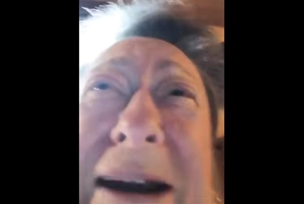 Τα σπαρακτικά λόγια Ισπανίδας που χάνει τον άντρα της από κορωνοϊό (VIDEO)