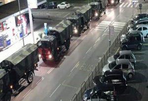 Ιταλία-Κορωνοϊός: Στρατιωτικό κομβόι μεταφέρει πτώματα από το Μπέργκαμο