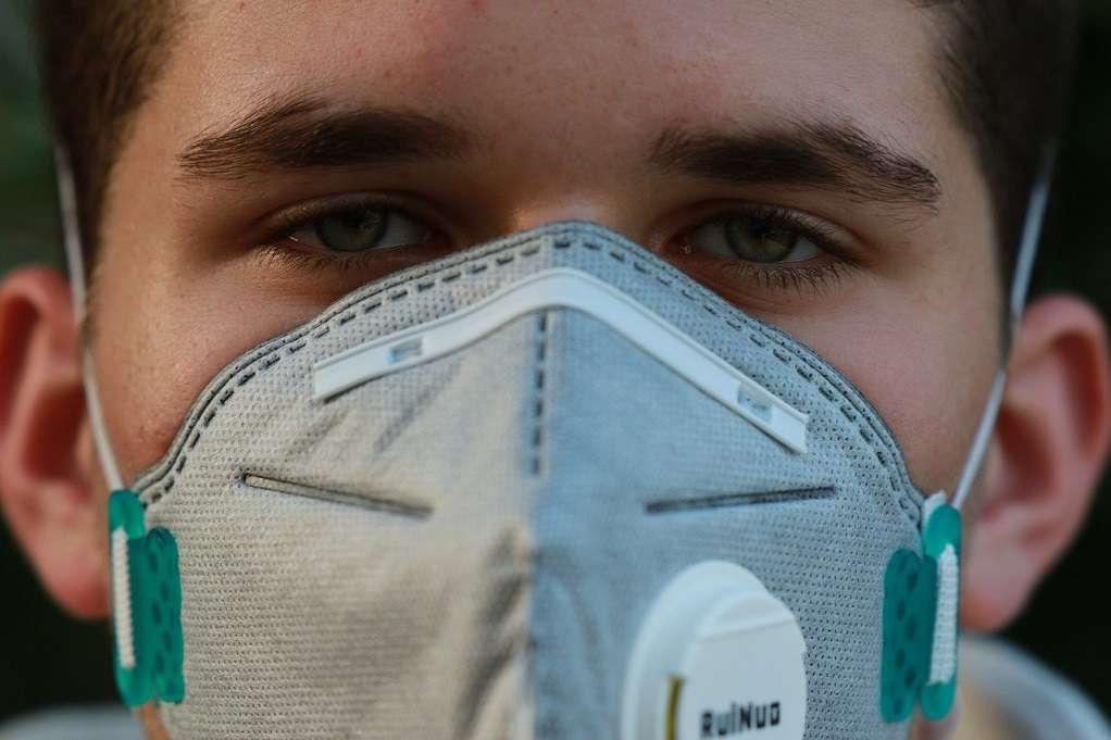 Κορωνοϊός: Σπρέι με νανοσωματίδια από το ΑΠΘ εξουδετερώνει τον ιό