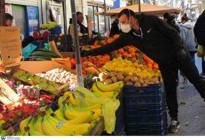 ΠΚΜ: Διανομή μασκών στους πωλητές λαϊκών αγορών