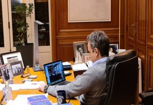 Επικοινωνία Μητσοτάκη με τον καθηγητή του Γέιλ Νίκολας Χρηστάκης