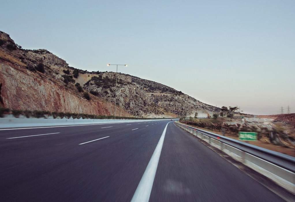 Κλειστή η ΠΑΘΕ στον Αλμυρό στο ρεύμα προς Αθήνα