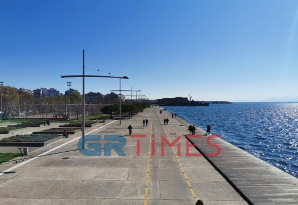 Κορωνοϊός – Θεσσαλονίκη: Μειώθηκαν οι… βόλτες στη Νέα Παραλία (VIDEO)