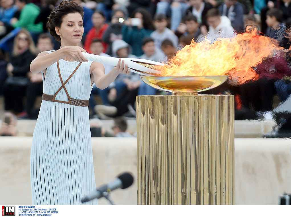 LIVE – Η Τελετή Παράδοσης της Ολυμπιακής Φλόγας