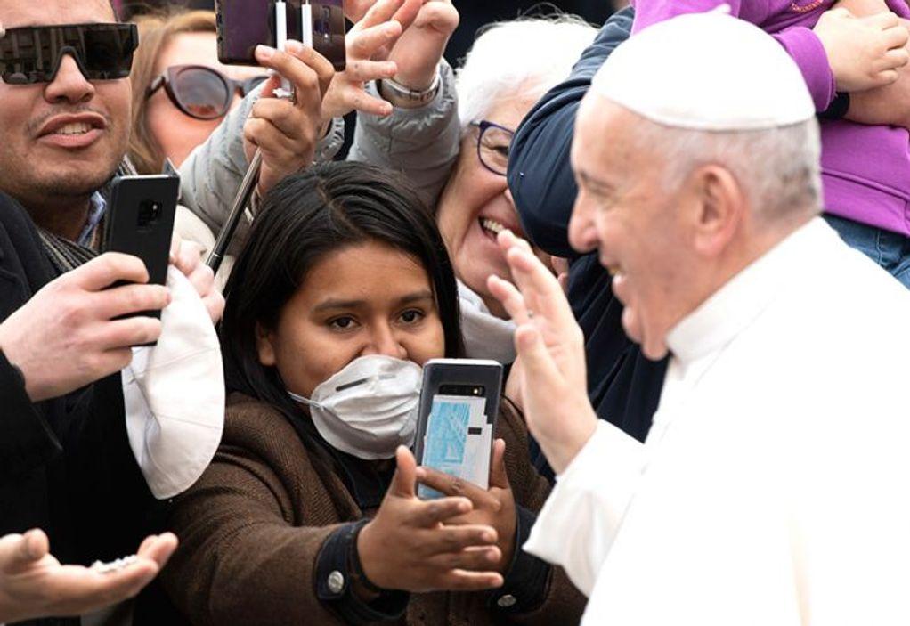 Βατικανό: Χωρίς πιστούς το Πάσχα ελέω κορωνοϊού