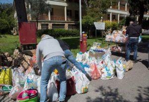 Ρουβίκωνας: Παράδοση ειδών πρώτης ανάγκης στο Γηροκομείο Αθηνών