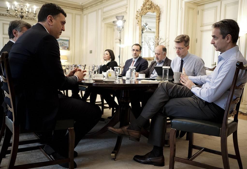 Κοροναϊός: Από λεπτό σε λεπτό οι ανακοινώσεις