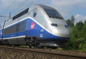 Γαλλία: Είκοσι τραυματίες από εκτροχιασμό τρένου