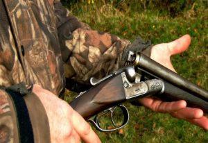 ΚΣΕ: Εκατοντάδες χιλιάδες κυνηγετικά όπλα σε… μη κυνηγούς!