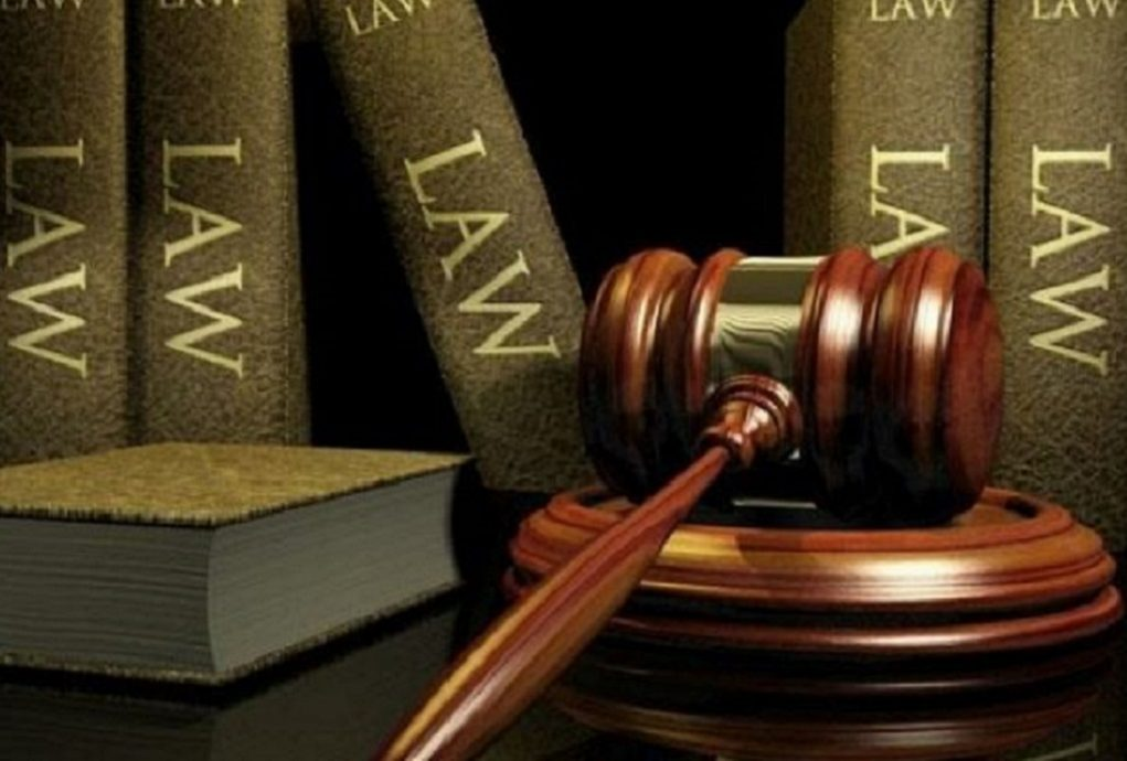 Ολομέλεια προέδρων Δικηγόρων: Όχι στις πορείες, ναι στις συναθροίσεις