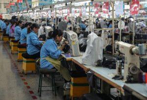 Κίνα: Βουτιά στο ΑΕΠ για πρώτη φορά μετά το 1976!