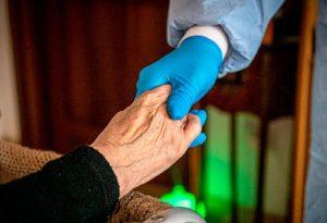 Ισπανία: 85χρονη γιαγιά επέστρεψε στο γηροκομείο, εννέα μέρες μετά την «κηδεία της»