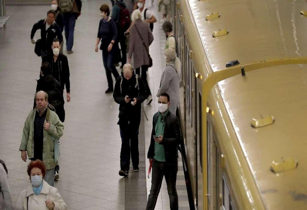 Κορωνοϊός: Βίντεο δείχνει γιατί πρέπει να φοράμε μάσκα στα ΜΜΜ