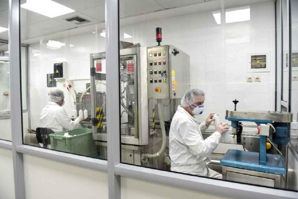 Παραγωγή αντισηπτικών και μασκών από τα στρατιωτικά εργοστάσια (ΦΩΤΟ-VIDEO)