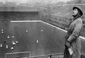 Όταν οι Άγγλοι έπαιζαν μπάλα… κανονικά, υπό την απειλή του Χίτλερ