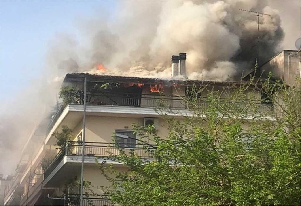 Τρίκαλα: Μεγάλη πυρκαγιά σε πολυκατοικία (ΦΩΤΟ-VIDEO)