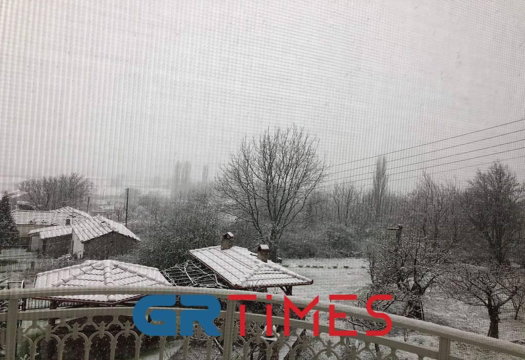 Σε ποιες περιοχές θα χιονίσει και σήμερα, Πέμπτη (BINTEO)