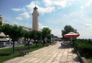 Αλεξανδρούπολη: Σε ξύλινες εξέδρες καφέ και εστιατόρια