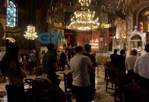 Θεσσαλονίκη: Πιστοί… και στον κορωνοϊό (ΦΩΤΟ-ΒΙΝΤΕΟ)
