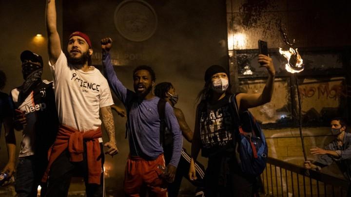 ΗΠΑ: Διαδηλώσεις για τον θάνατο του Φλόιντ
