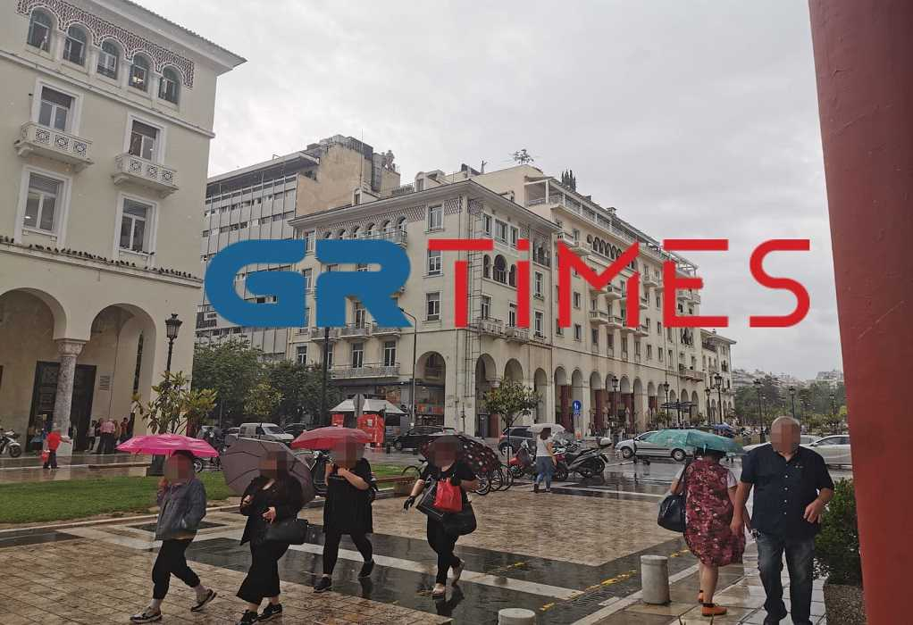 Έντονη βροχόπτωση στη Θεσσαλονίκη (ΦΩΤΟ-ΒΙΝΤΕΟ)
