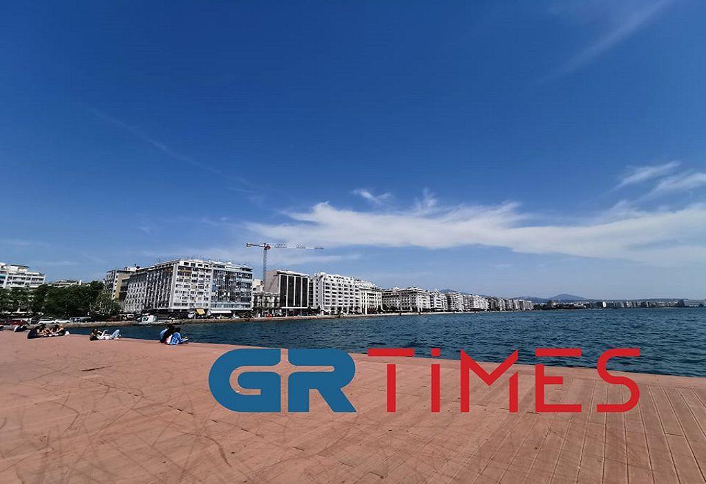 Θεσσαλονίκη: Επιχείρηση για την ανάσυρση 39χρονου που έπεσε στο Λιμάνι