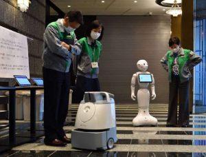Κορωνοϊός-Ιαπωνία: Ρομπότ υποδέχονται ασθενείς