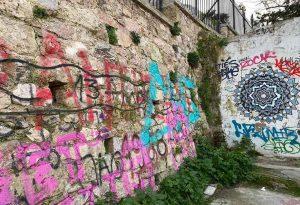 Δ. Αθηναίων: Επιχείρηση αντιγκράφιτι σε Αναφιώτικα και Πλάκα