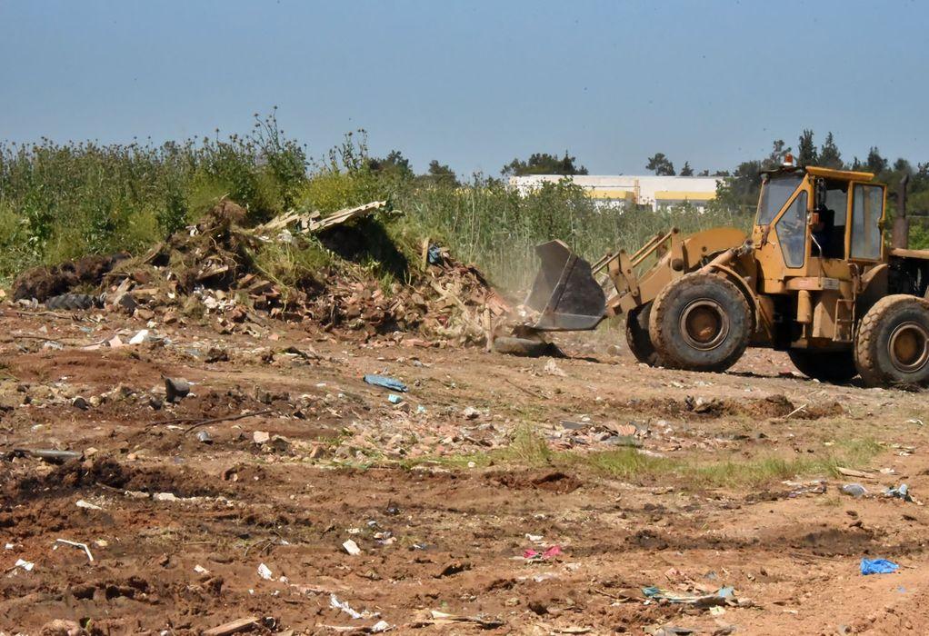 Άγιος Μάμας: Απομάκρυνση μπάζων από την περιοχή