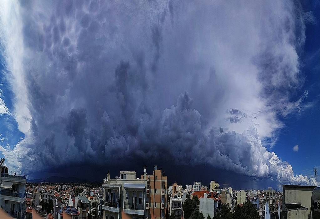 Καιρός: Μαύρισε ο ουρανός στην ΒΑ Ελλάδα