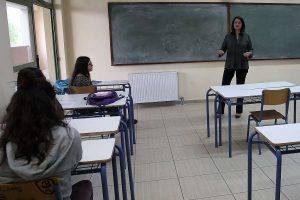 Κεραμέως για σχολεία: Τηρούνται όλα τα μέτρα