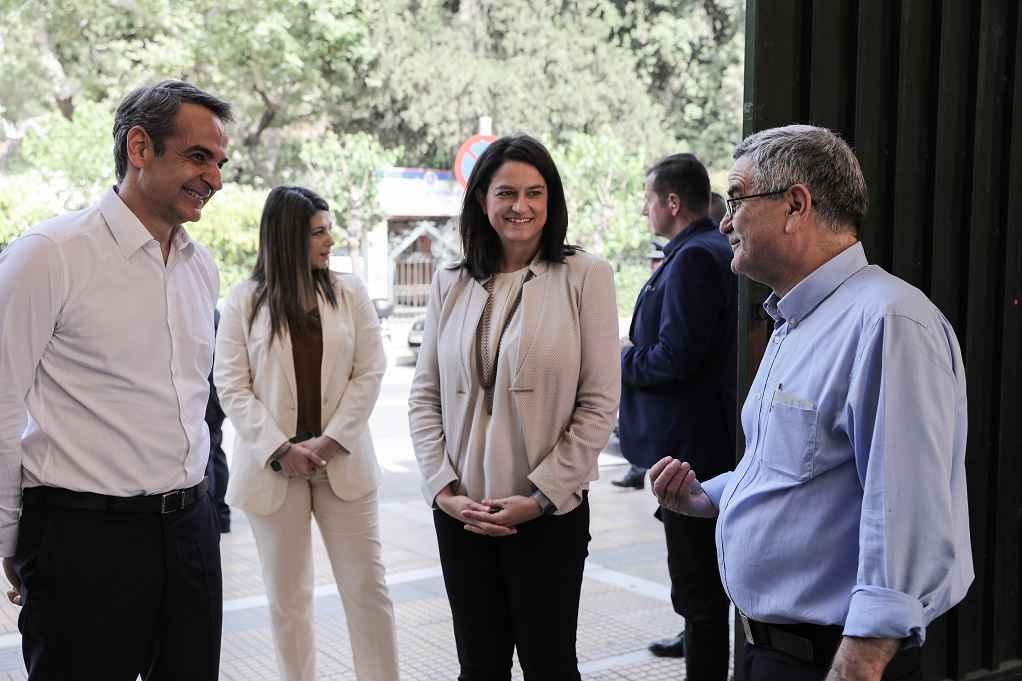 Στο 7ο Γυμνάσιο Αθηνών ο Κ. Μητσοτάκης (ΦΩΤΟ)