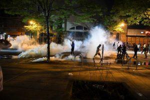 ΗΠΑ: Δεύτερη νύκτα ταραχών στη Μινεάπολη (VIDEO)