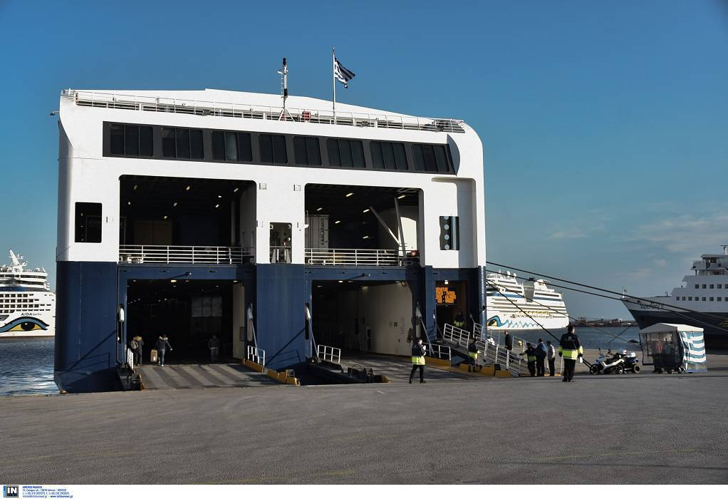 Μηχανική βλάβη στο πλοίο Superferry
