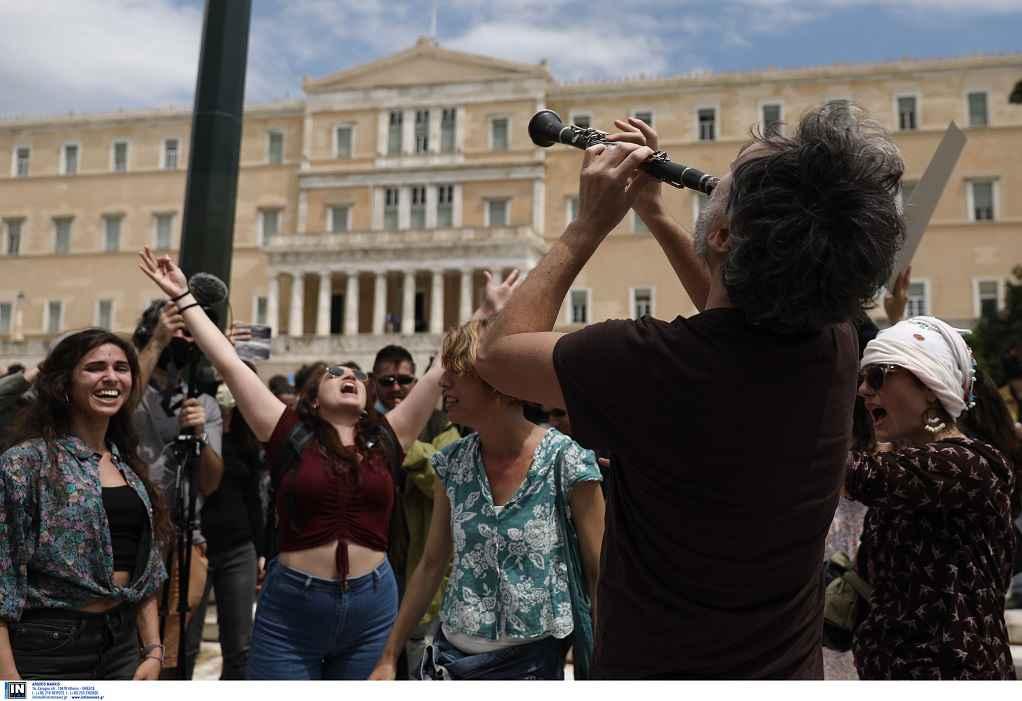 Επιστολή Καλλιτεχνών: 7 μήνες καταστροφής για το ελληνικό τραγούδι