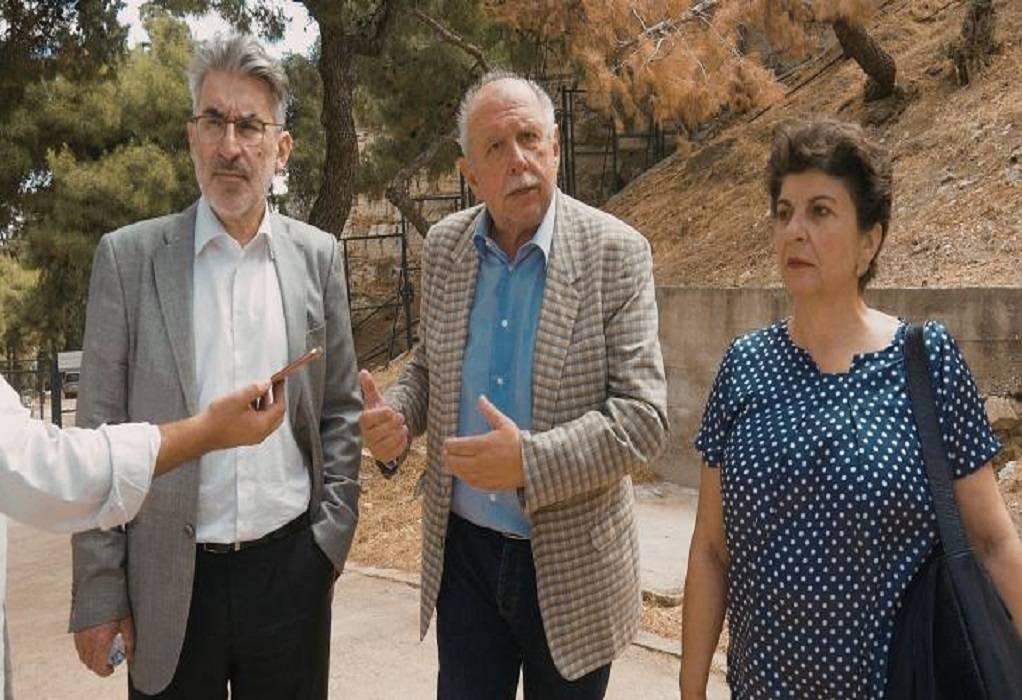 Ακρόπολη: Πόρτα σε βουλευτές του ΣΥΡΙΖΑ