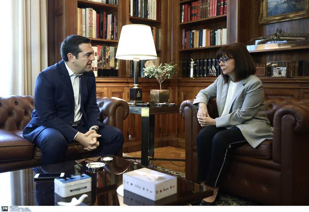 Την Πρόεδρο της Δημοκρατίας συναντά σήμερα ο Αλέξης Τσίπρας