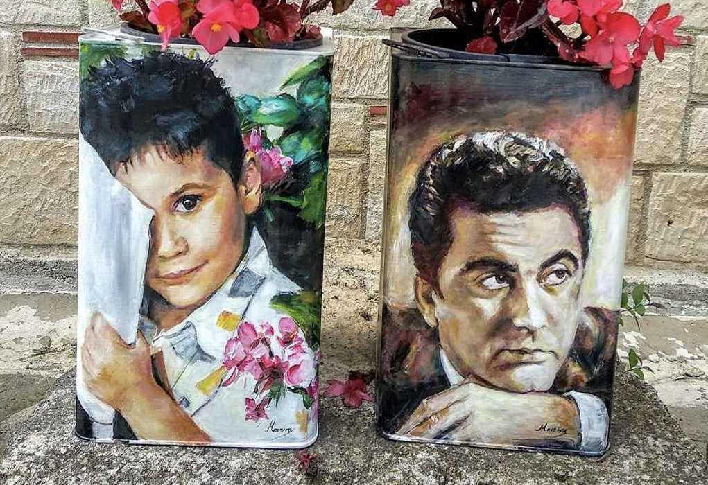 Χαλκιδική: Οι παλιές εξώπορτες της Αφύτου γίνονται …έργα τέχνης