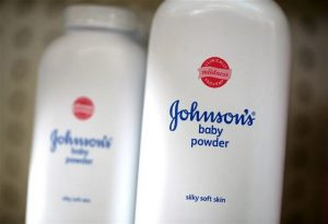 ΗΠΑ: Η Johnson & Johnson σταματά τις πωλήσεις ταλκ για βρέφη