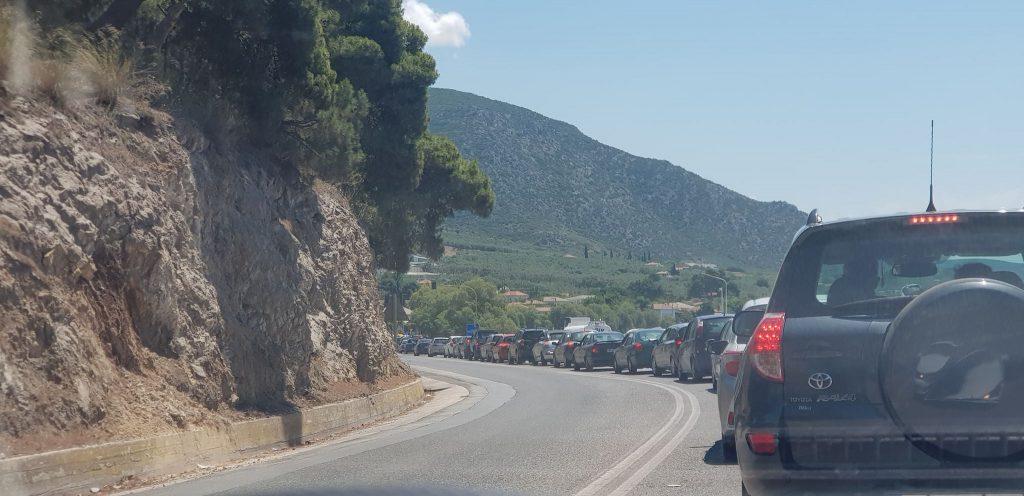 Βόλος: Ουρές χιλιομέτρων και ταλαιπωρία για τους οδηγούς