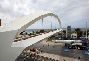 Άλιμος: Τοποθετήθηκε πεζογέφυρα στη λ. Ποσειδώνος
