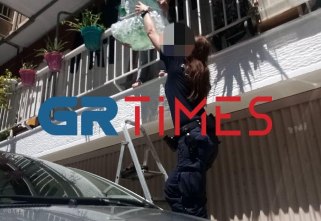 Θεσ/νίκη: Αστυνομικοί & εθελοντές έσωσαν καναρίνι (ΦΩΤΟ)