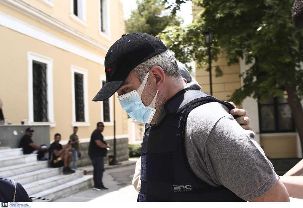 Προκαλεί ο ψευτογιατρός: «Δεν ευθύνομαι για τους θανάτους των ασθενών»