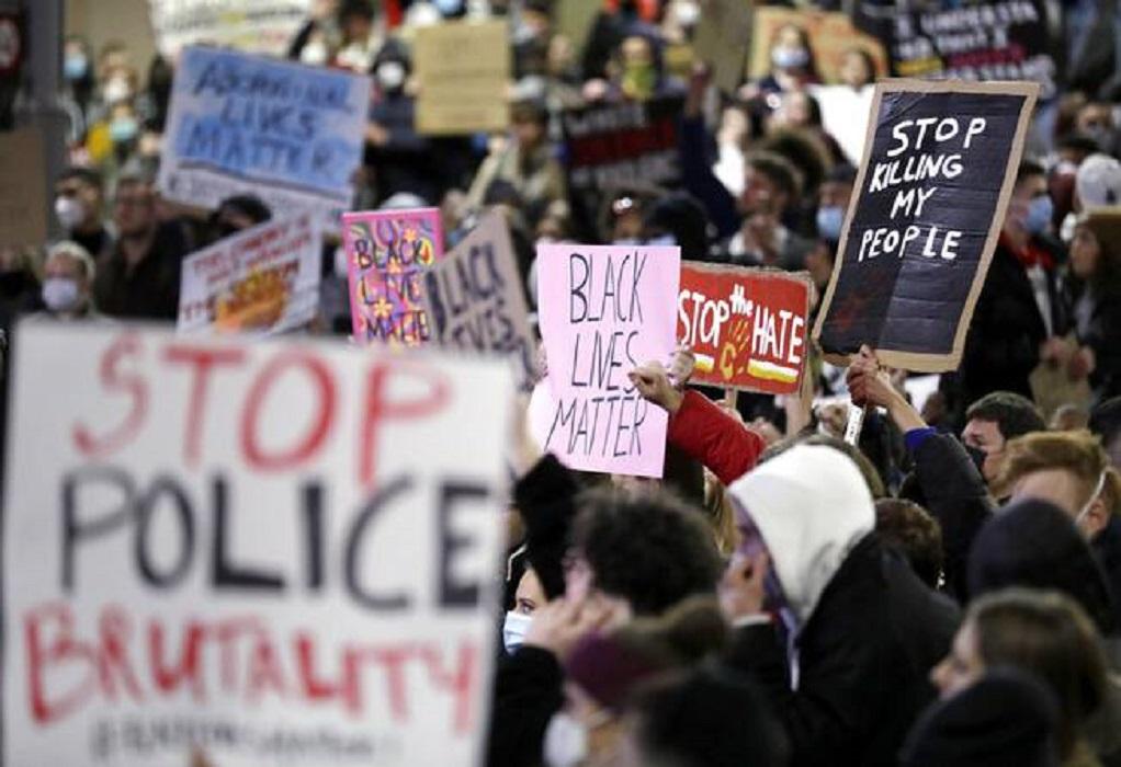 ΗΠΑ: Τεράστια διαδήλωση στην Ουάσιγκτον για τον Τζ. Φλόιντ