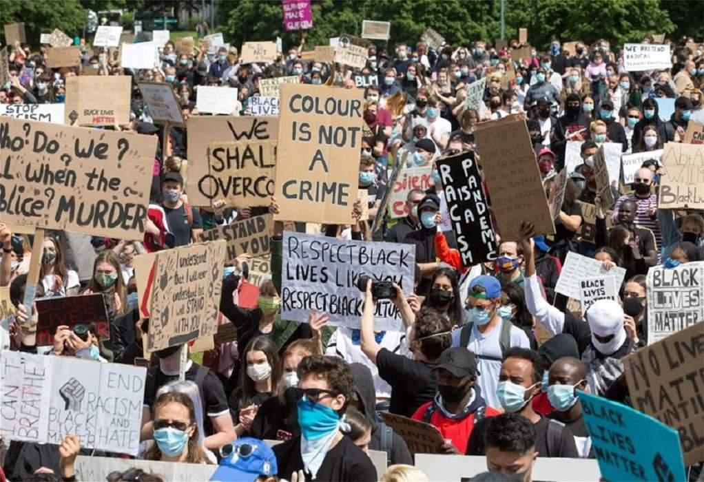 Λονδίνο: Διαδήλωση και ..»ο ρατσισμός είναι ιός»