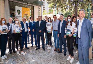 ΕΕΑ: Περιοδείες στην Αττική για διανομή μασκών και αντισηπτικών σε καταστήματα (ΒΙΝΤΕΟ)