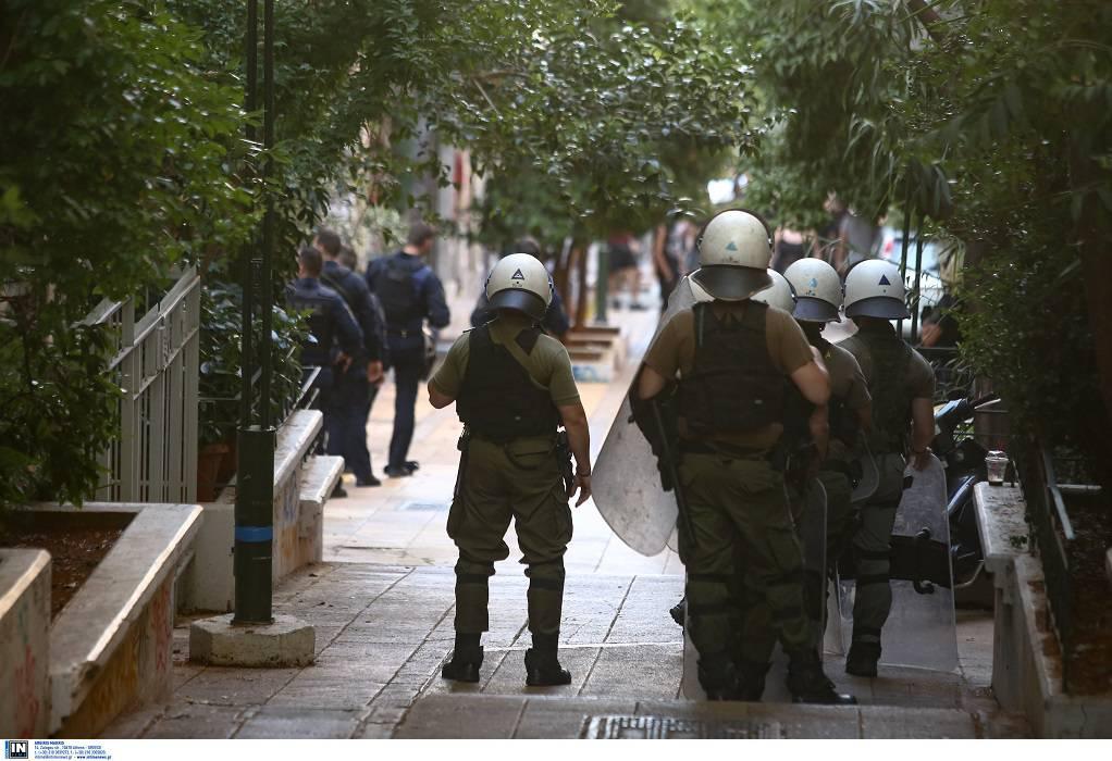 Εξάρχεια: 'Εφοδος της ΕΛΑΣ σε υπό κατάληψη κτίριο
