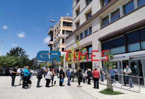Θεσσαλονίκη: Ουρές και πάλι στη ΔΕΗ (ΦΩΤΟ)