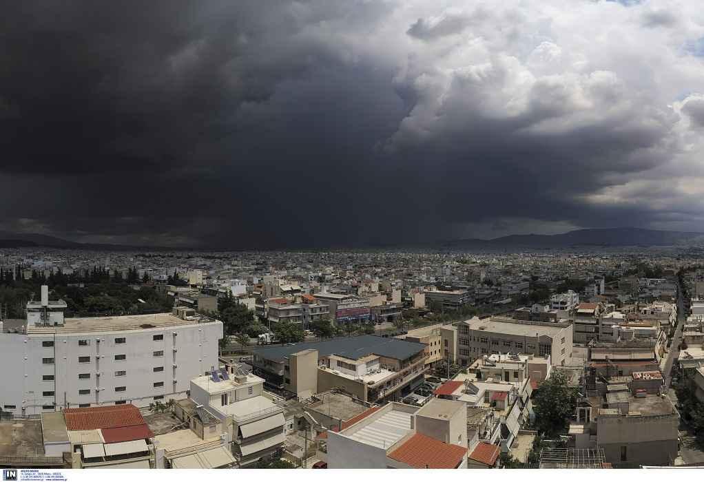 Σφοδρές καταιγίδες και χαλάζι στην Αττική (ΦΩΤΟ-VIDEO)